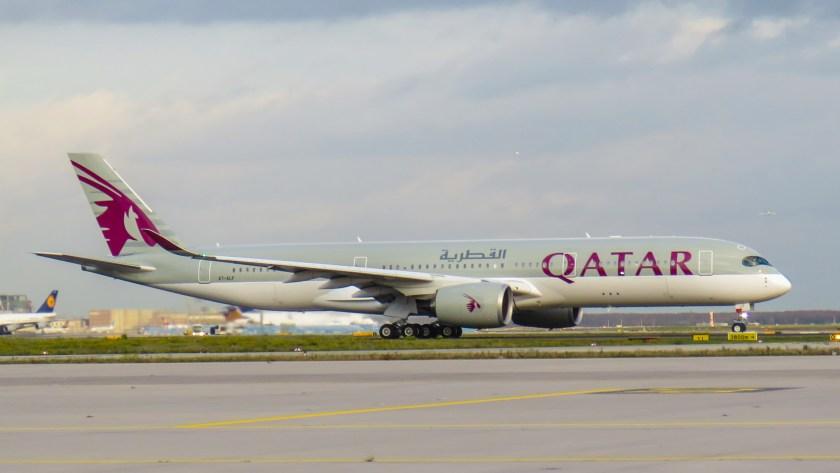 Qatar_Airways_Airbus_A350-900_A7-ALF_(22646402619)
