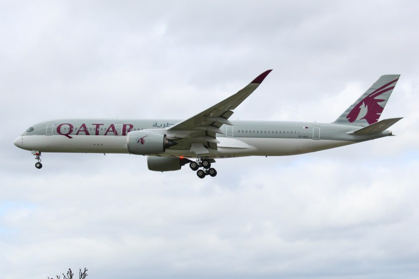 A7-ALD_A350_Qatar_(33894438122)