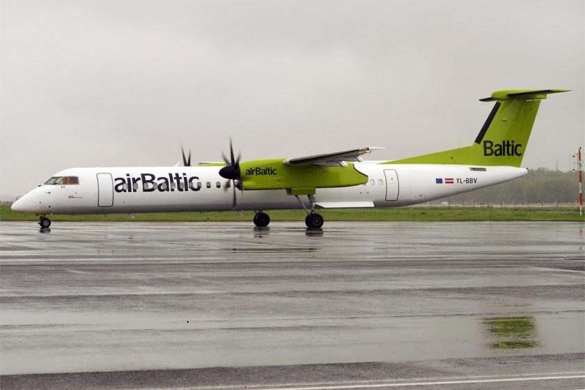 Air_Baltic,_YL-BBV,_Bombardier_Dash_8_Q400_(35291981355)