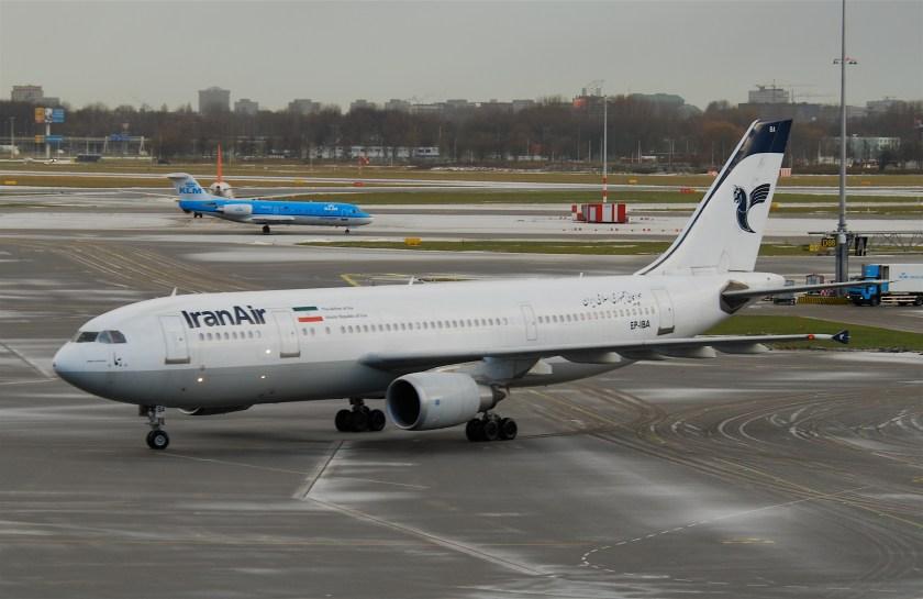 Iran_Air_Airbus_A300-605R;_EP-IBA@AMS;09.12.2010_590bf_(5256765079)