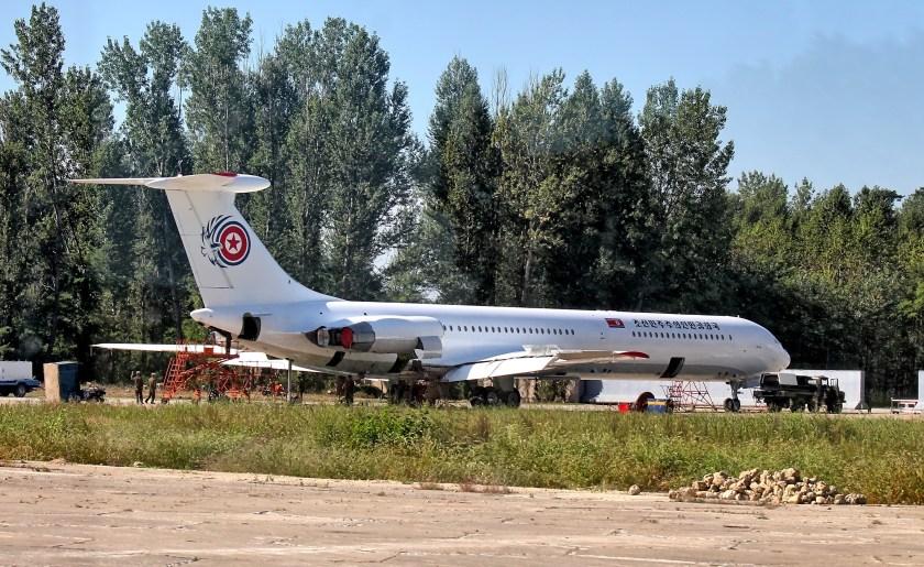 Kim_Jong-Un's_Il-62_Chammae-1_at_Sunan_Airport_North_Korea