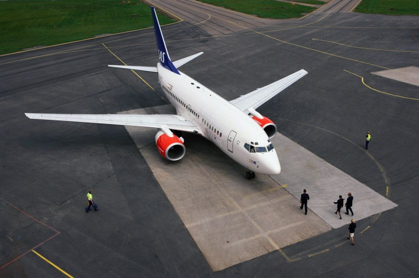 Aircraft-on-ground-001-1400x931.jpg