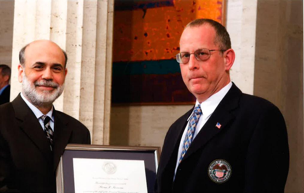 Steve Bezman receiving award - © Liz Curry