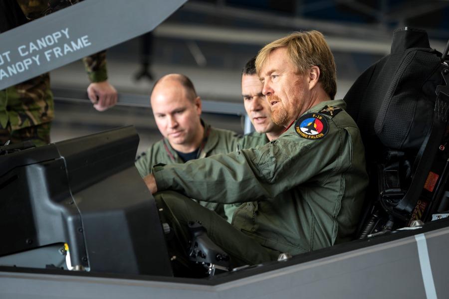 King Willem Alexander pays visit to Leeuwarden AB