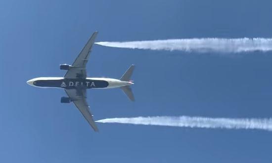 Delta Flight 89 returns to LAX