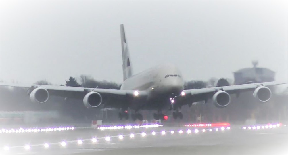 Etihad A380 lands sideways during Storm Dennis at London Heathrow