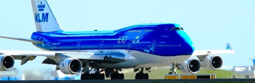 FINAL TAKEOFF KLM BOEING 747 AT AMSTERDAM AIRPORT SCHIPHOL