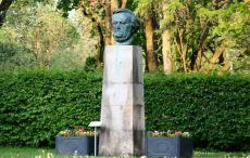 Wagner_Head_Panoramio_Pierre_Marc