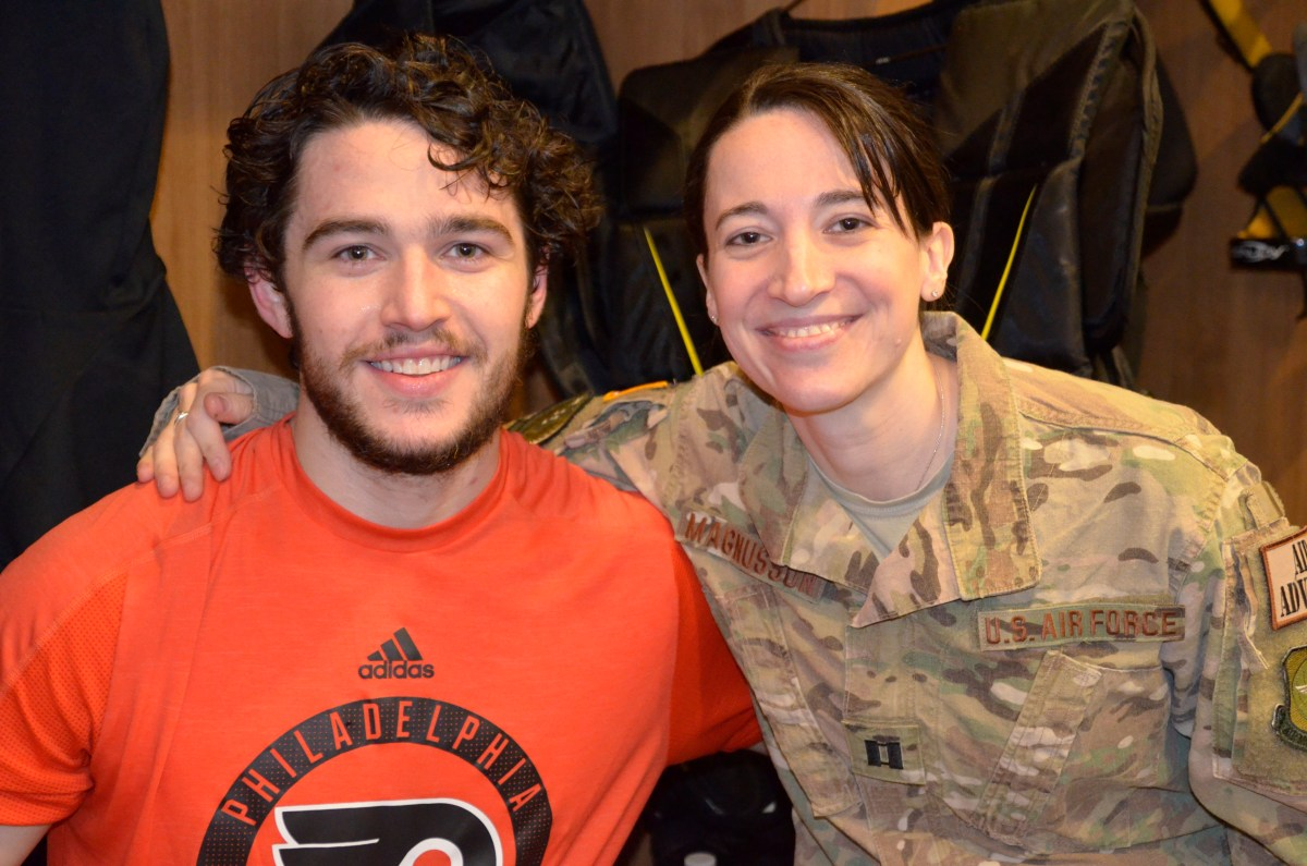 Flyers, U.S. soldiers: A mutual admiration society