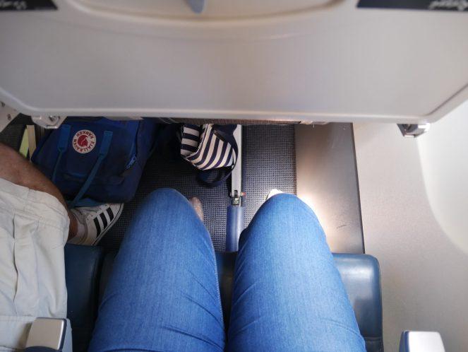Leg room of Flyme ATR 72-500 plane