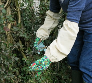 Gardeners Pruning Gauntlets Nettle and Thorn Protector for Wrists and Arms