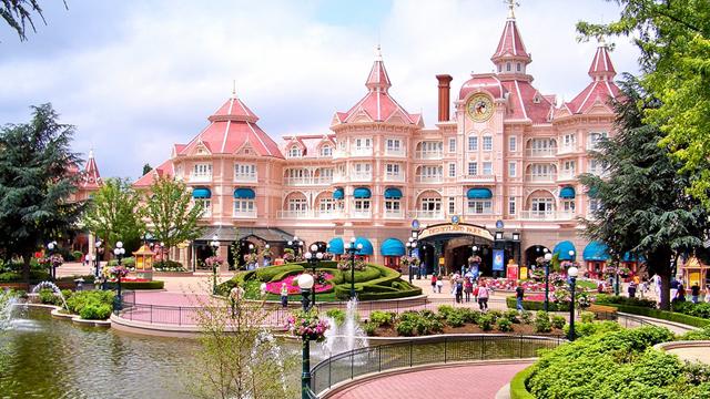 Disneyland Hotel Main