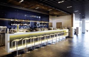 Lufthansa Frankfurt Lounge - Bar with expensive taste