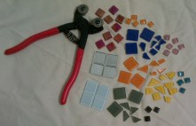 Mosaic tiles in different colors & Tile nipper
