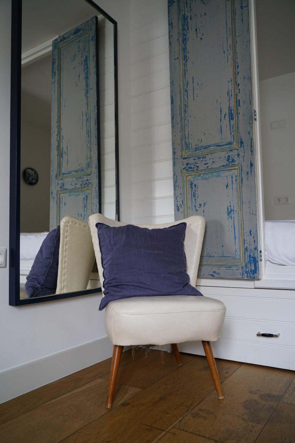 Zitje en spiegel