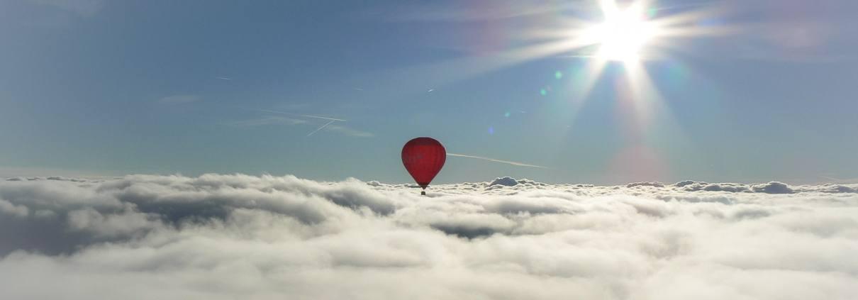 Flywithme.lt oro balionas virš debesų