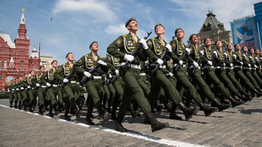 Russian servicemen march during the Victory Day parade at Red Square in Moscow, Russia, May 9, 2015.
