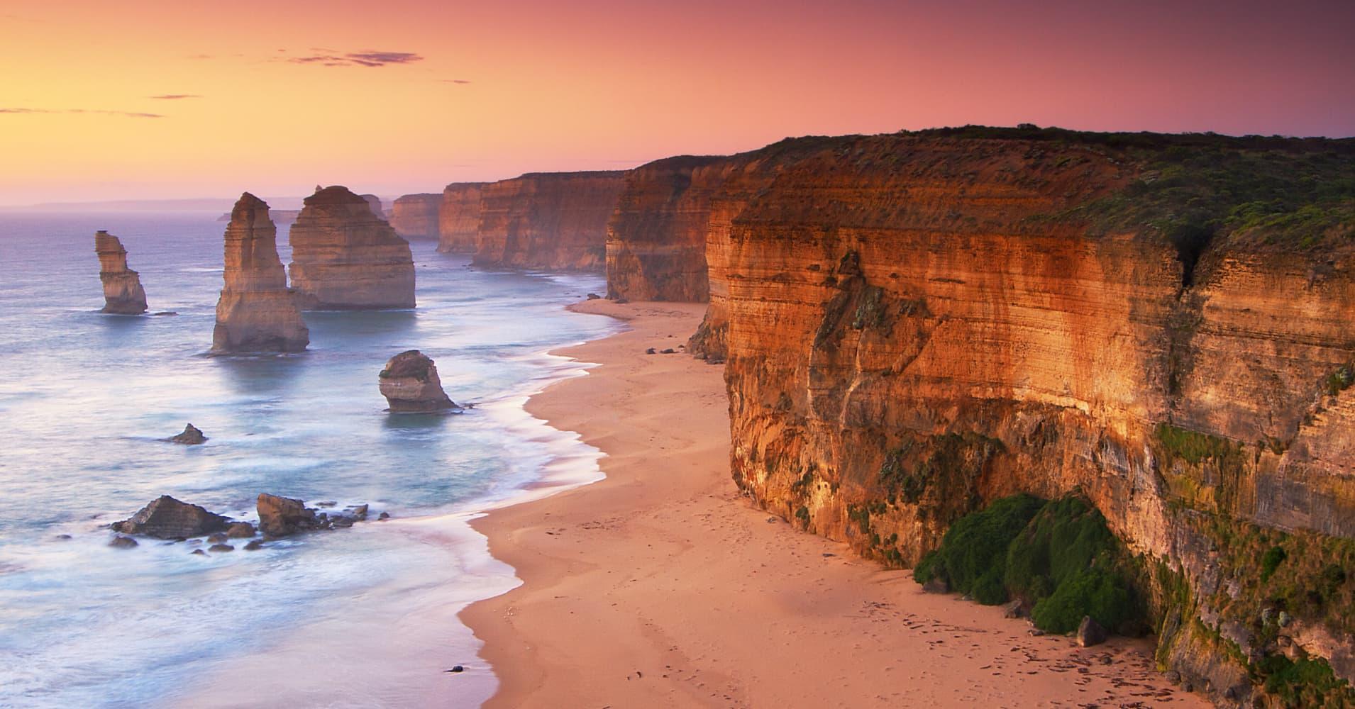 Australia S Twelve Apostles Limestone Stacks Have Five New
