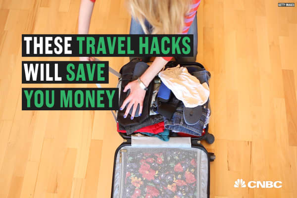 These traveling tricks will help you save money