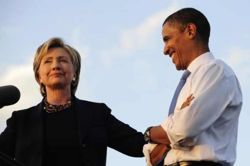 El candidato presidencial demócrata estadounidense, el senador por Illinois Barack Obama y la senadora Hillary Clinton, se dirigen a los partidarios en Orlando, Florida, el 20 de octubre de 2008.