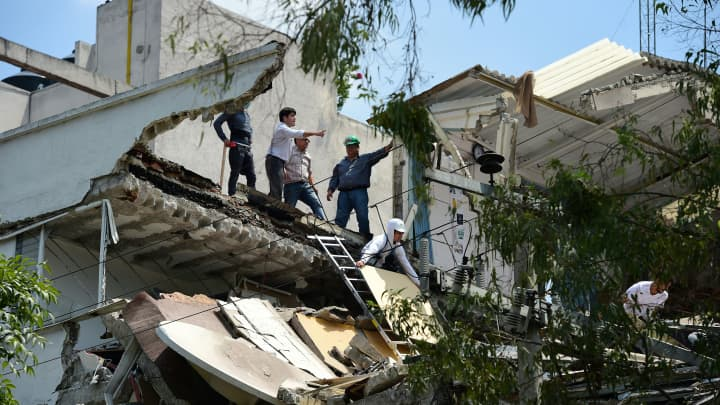 Image result for getty images of mexico earthquake september 19, 2017
