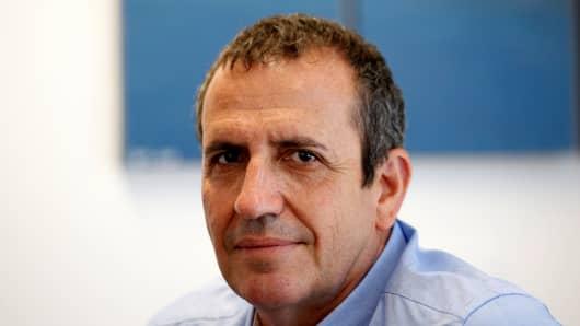 Eyal Waldman, presidente y CEO de Mellanox Technologies posa para una fotografía en la sede de la compañía en Yokneam, en el norte de Israel, el 26 de julio de 2016.