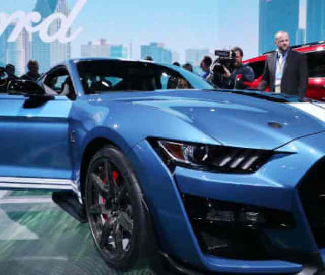 Members Of The Media Look Over The 2020 Ford Mustang Shelby Gt500 After It Was Revealed