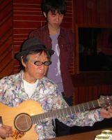 菅野君制作のギターを