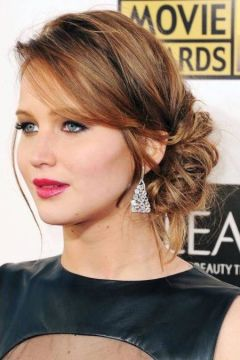 1. messy side bun side part