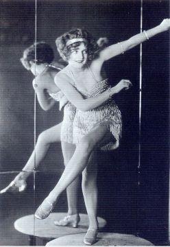 1920 charleston dancer