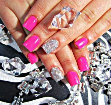 Neon pink acrylic nails