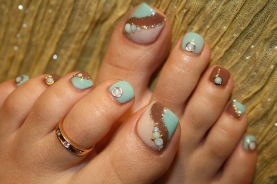 baby blue crystal pedicure