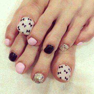 50 incredible toe nail designs ideas fmag diy bow pedicure solutioingenieria Gallery