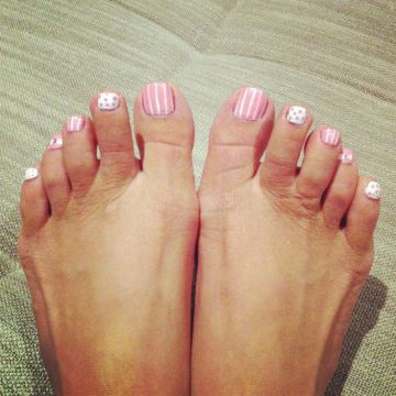 pastel pink toe nail deisgns