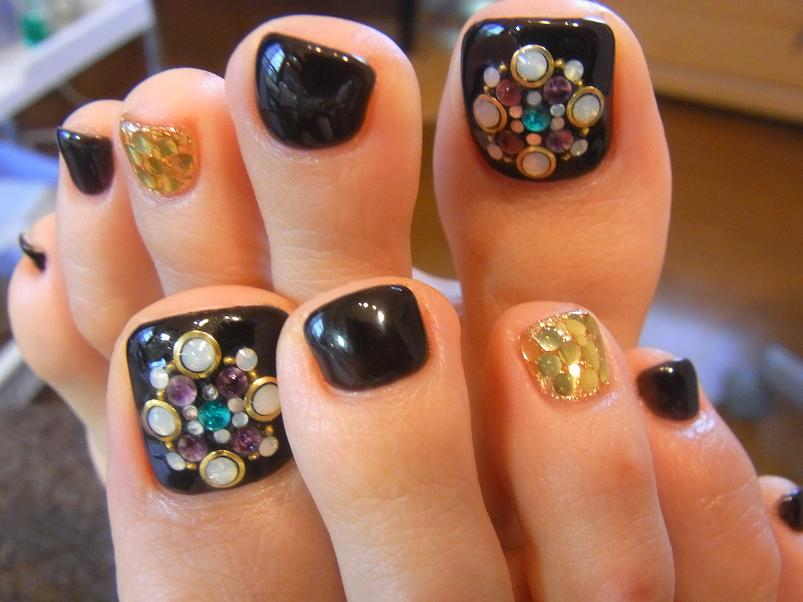 rhinestone pedi - 50+ Incredible Toe Nail Designs Ideas FMag.com