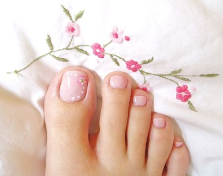 soft pink toe nail art