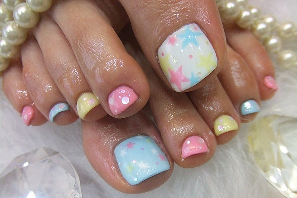 Starry Toe Nail Designs