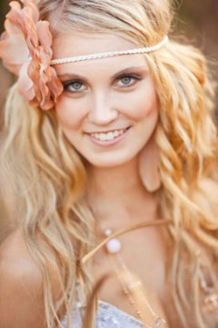 Floral headband for the boho hairstyle