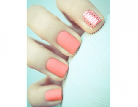 Coral wedding nails