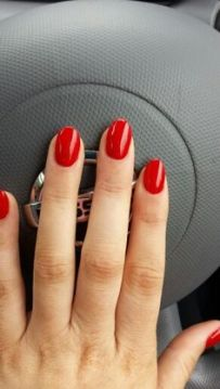 red round nails