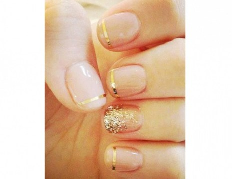 Gold wedding nails