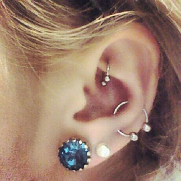 Snug piercing ring