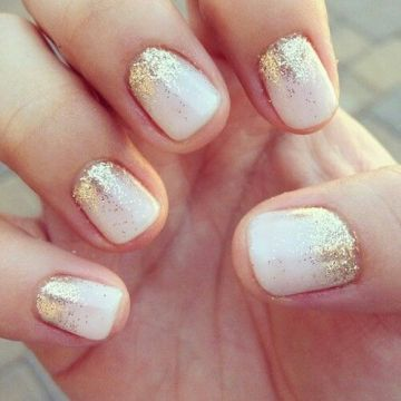 Chic Subtle Gradient Gold Glitter