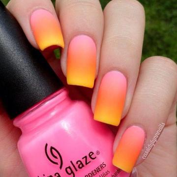 Matte gradient nails.