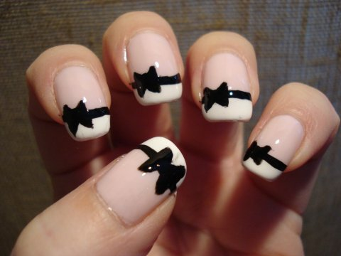 Black And White Bow French Tips