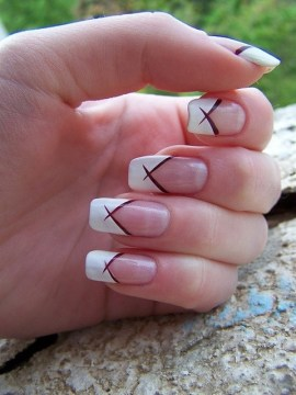 Crisscross French Tip Nail Design