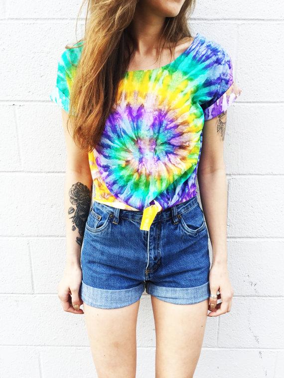 tie dye t shirt denim shorts