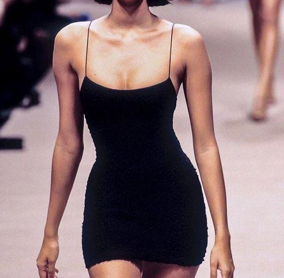 e03d43bd2194 How to Wear Black Bodycon Dress  10 Best Outfit Ideas - FMag.com