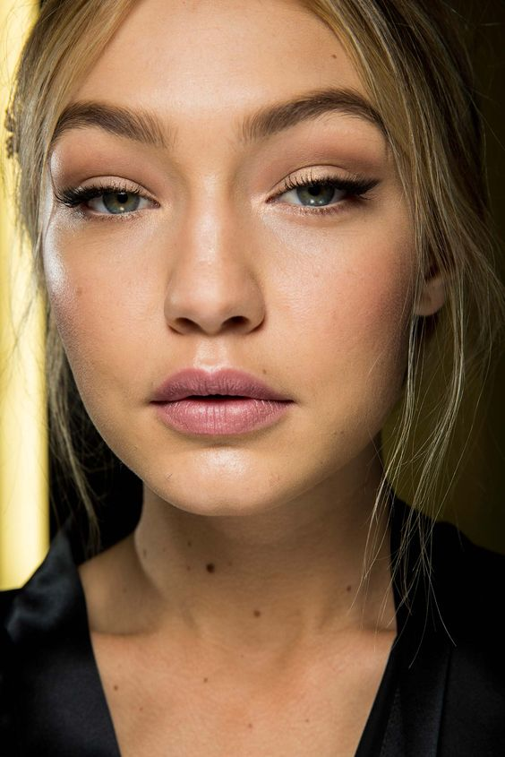 nude matte lipstick eyeliner