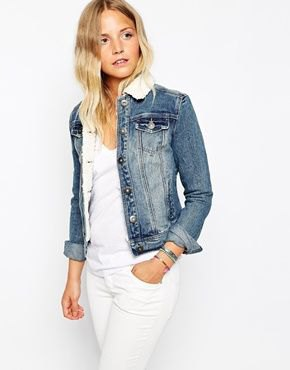 all white outfit with fur collar denim jacket